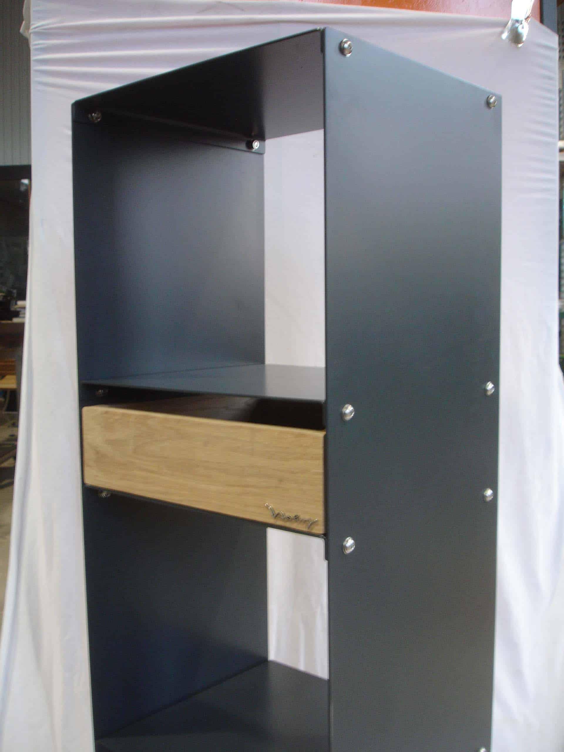 design-metallmoebel-stahlmoebel-sideboard-mit-schublade-stahl-holz-eiche-kaminholz-aufbewahrung-brennholzregal-stahlregal