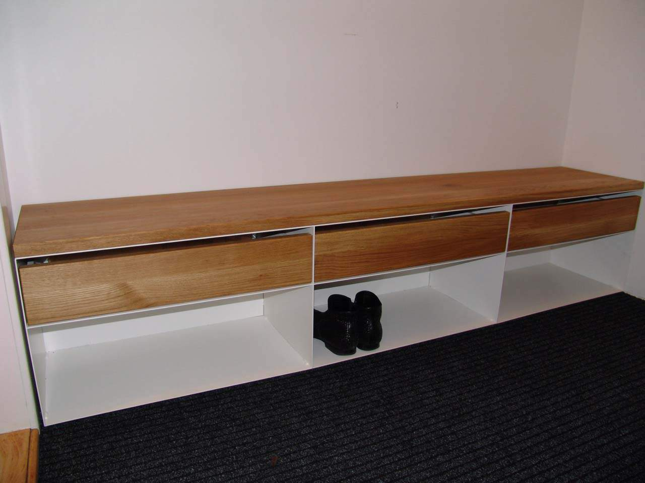 sideboard eiche metall wei hochglanz mit schubladen